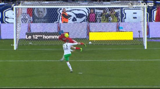 Paul Bernardoni a stoppé un penalty en fin de première période